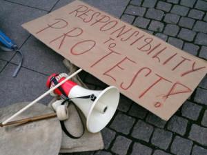 Protest gegen die Verstaatlichung privater Entscheidungen