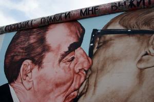 East side gallery - Breschnew und Honecker